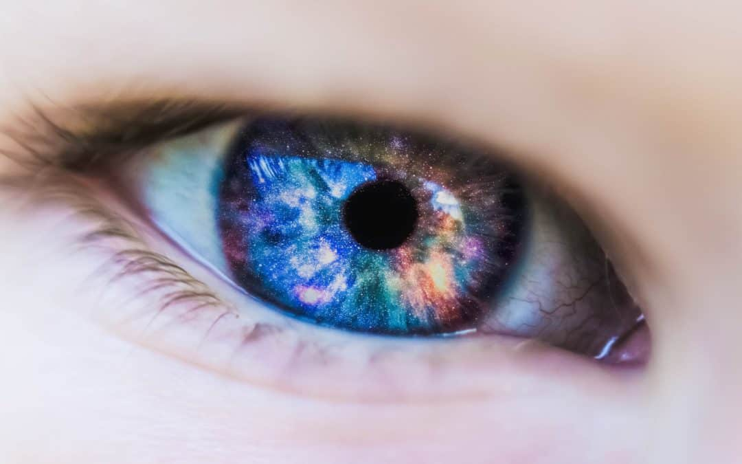Can Colored Contact Lenses Hurt Your Eyes?